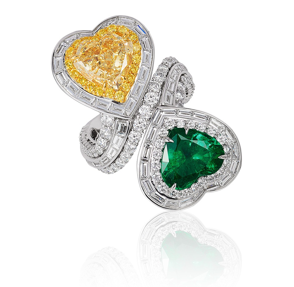 halo ring emerald diamod windsor white diamond gold karat gregg ruth rings