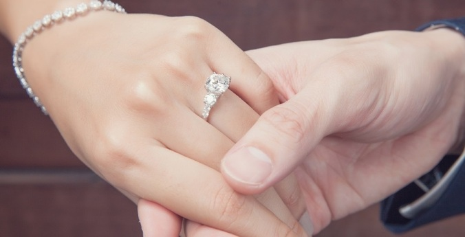 wedding engagement with diamond ring - Wedding Ring Insurance